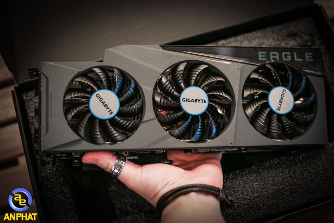 Gigabyte ra mắt RTX 3080 GAMING EAGLE OC 10G